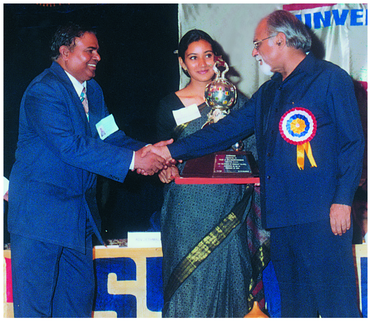 Dr (col) A Balasubramanian gets awarded by Mr I K Gujaral