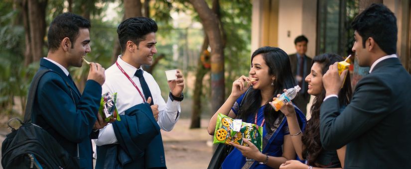 PGDM students enjoy a quick bite at the eatery