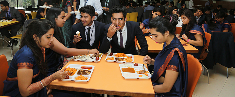 Cafeteria-and-Mess at sri balaji society campus for pgdm students