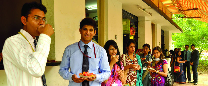 Eateries at Sri balaji society campus for pgdm students